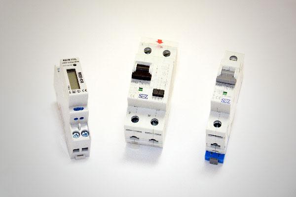 Автоматичні вимикачі, модулярні прилади, електролічильники